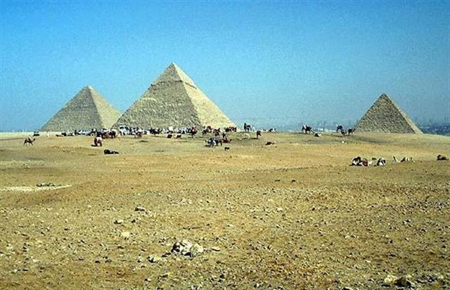 พีระมิด เมืองกิซ่า ประเทศอียิปต์